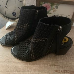 Sam Edelman open toed and back shoes bnwob size 8